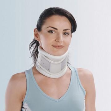 CLL 400 - Collare cervicale rigido con mentoniera